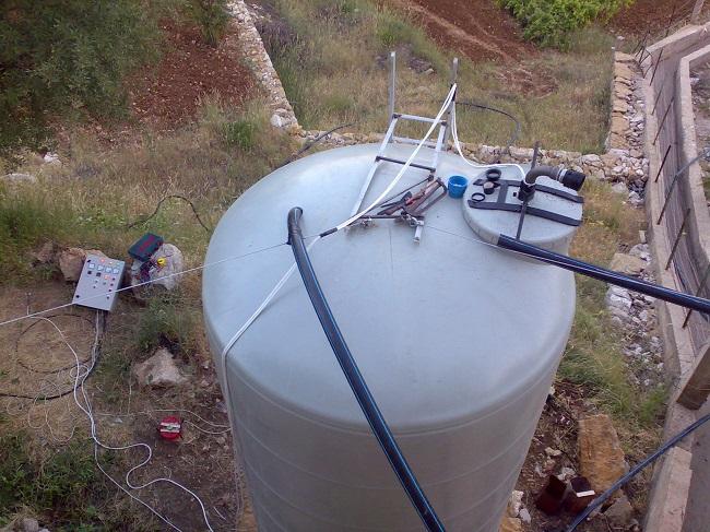 إمدادات قساطل للمياه بالتعاون مع البعثة البابوية pic2-في لبن