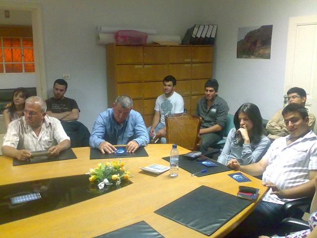 اجتماع للجنة الصحية لتنسيق اعمال فريق الأسعاف (4)