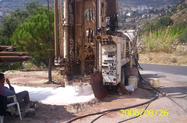 pic1-حفر بئر ارتوازي في بلدة اهمج بالتعاون مع وزارة الطاقة و