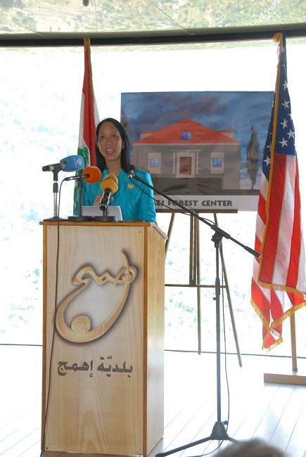 pict1-وضع حجر اساس للمركز البيئي في اهمج بحضور سفيرة الولايا