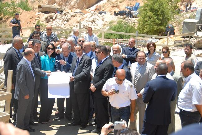 pict3- وضع حجر اساس للمركز البيئي في اهمج بحضور سفيرة الولاي